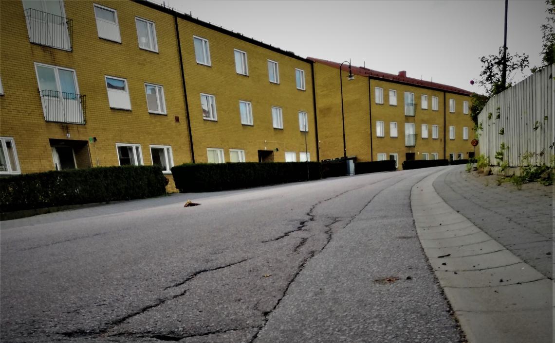 högsby asfalt dålig väg saba gordon